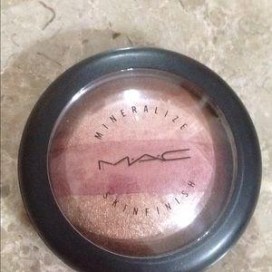 Mac mineralize skin finish smooth merge